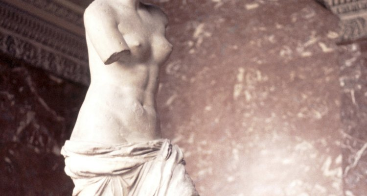 A Vênus de Milo é uma escultura famosa da Grécia Antiga