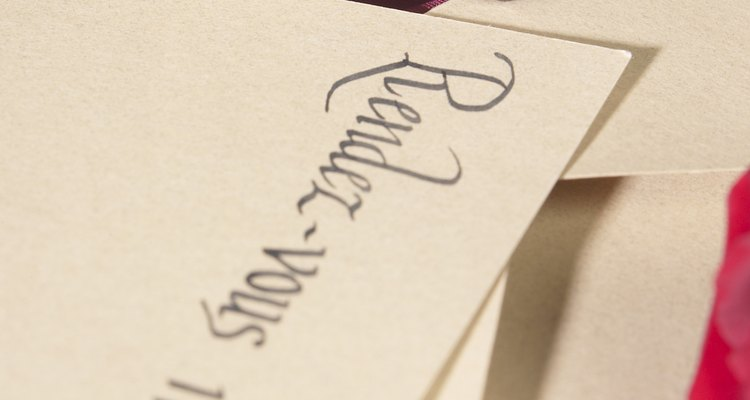 Há momentos em que você precisa ter certeza de que não violará a etiqueta apropriada ao aceitar um convite formal