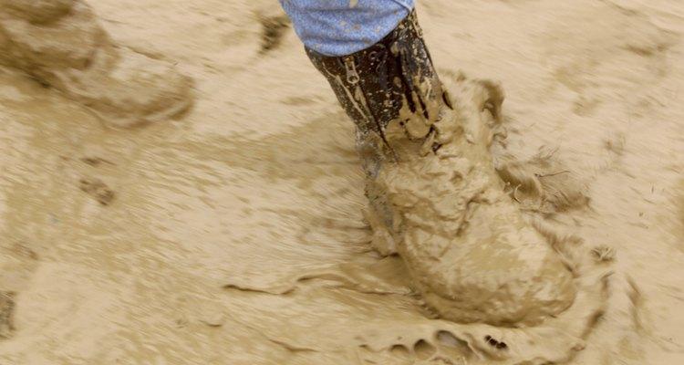 Botas sujas não tem que ficar cheias de lama e barro