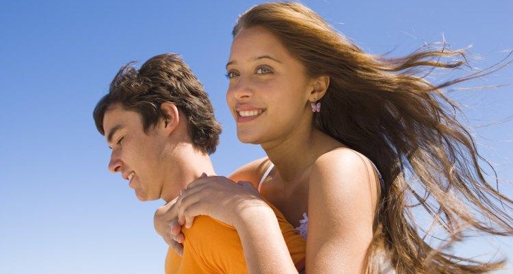 Ayudar a los adolescentes de secundaria a aprender el comportamiento apropiado puede prepararlos para la vida adulta con éxito.