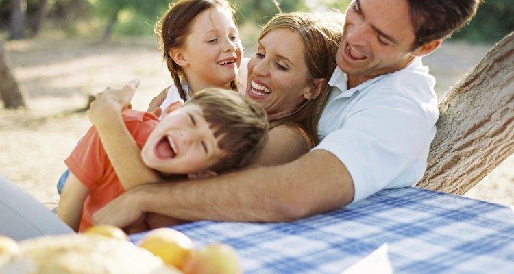 Fortalece el vínculo familiar haciendo resoluciones juntos.