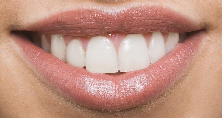Mantén tus labios humectados y suaves con un bálsamo casero.