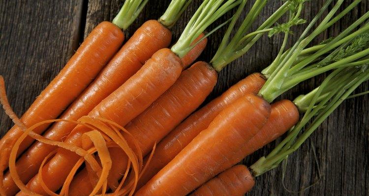 Las zanahorias son raíces comestibles.