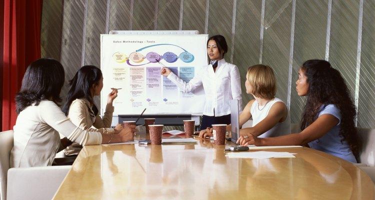 Una descripción de trabajo que sea clara y concisa te ayudará a atraer candidatos apropiados.