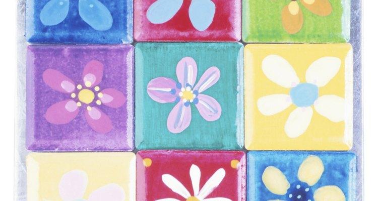 """El nombre """"azulejos de cerámica"""" abarca un extenso territorio de azulejos utilizados en el hogar."""