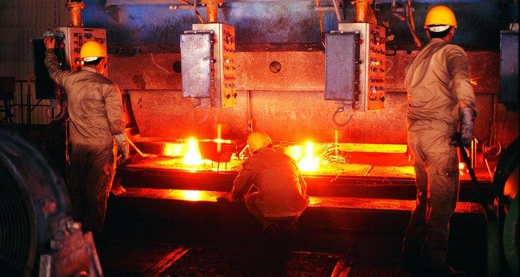 O aço A36 é apreciado por seu baixo custo e relativa alta resistência