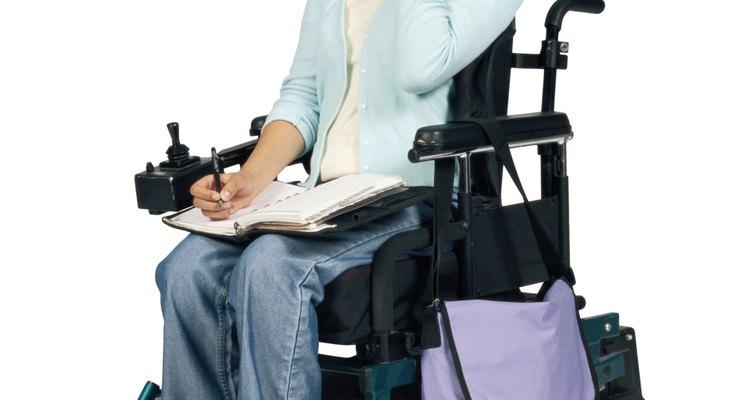 Las barras de sujeción facilitan la vida de las personas con discapacidades.