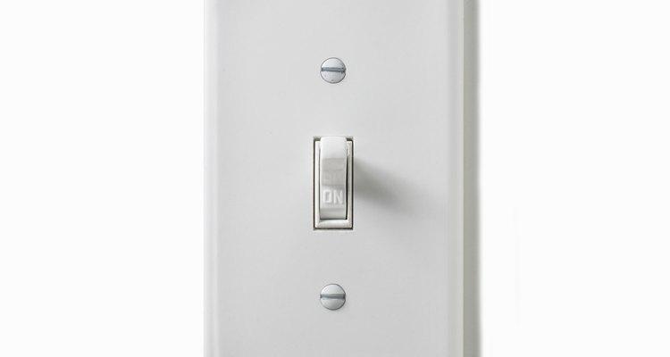 Os interruptores de luz são geralmente instalados a 1,2 metros acima do chão