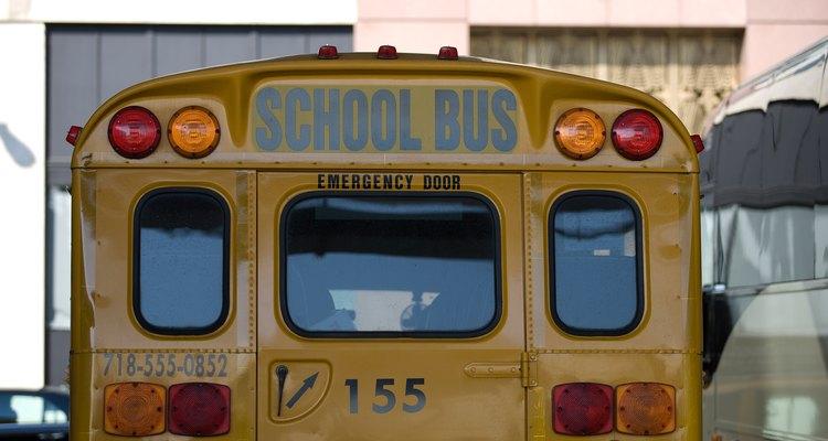 Define el método de transporte para la excursión enla carta para los padres.