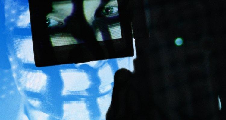 Às vezes, as câmeras digitais capturam e armazenam as imagens de cabeça para baixo