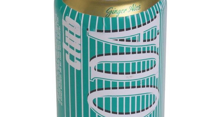 Itens de uso diário, como latas de refrigerante podem ser reutilizados para construir divertidas campainhas caseiras