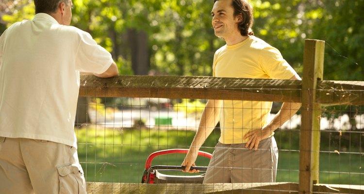 Prevé cómo tus vecinos pueden responder cuando traigas martillas a tu casa.