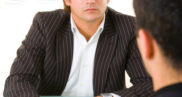 Use uma carta para requerer uma reunião formal.