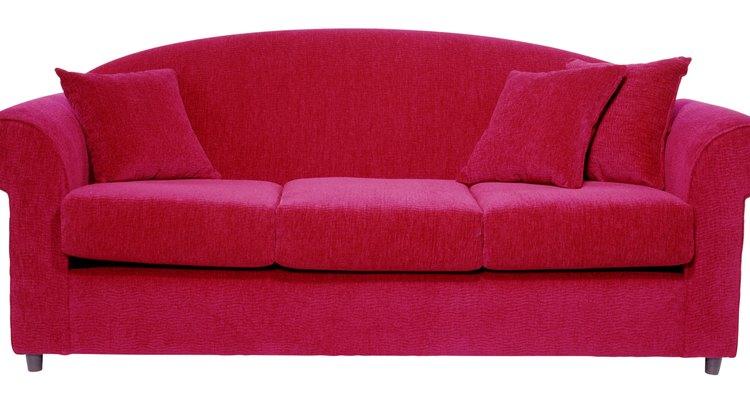 Lençóis podem ser um ótimo material para fazer capas simples e sem costura para sofás e poltronas