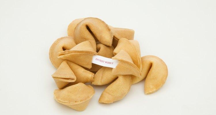 Utilize as mensagens em origamis como um biscoito da sorte