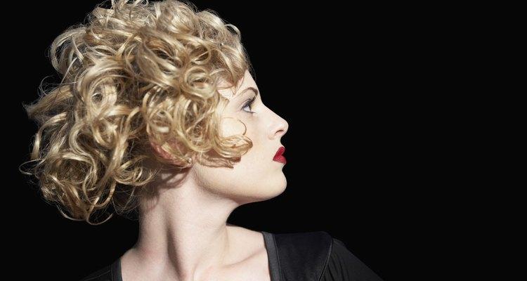 Se alguém popularizou o cabelo curto com cachos dourados, esta sem dúvida foi Marilyn Monroe