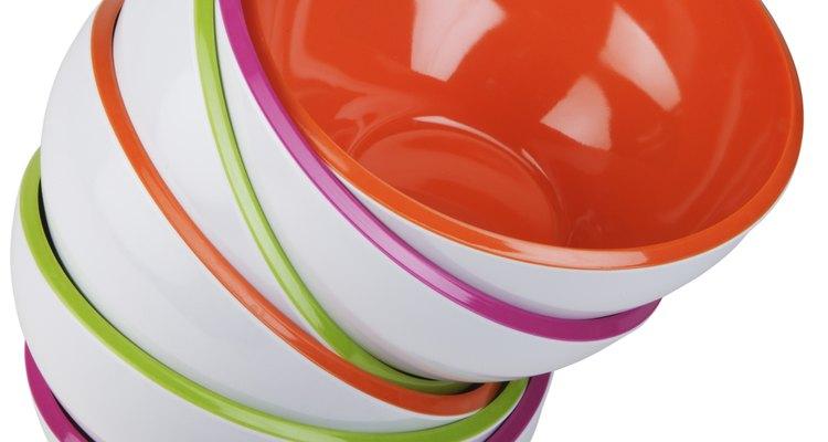 El plástico es resistente en contraparte al frágil cristal.