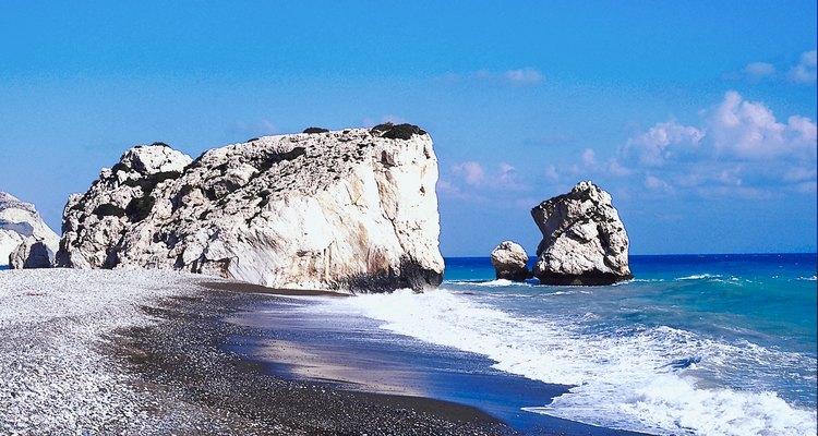 Las playas de Chipre tienen bellas formas rocosas.