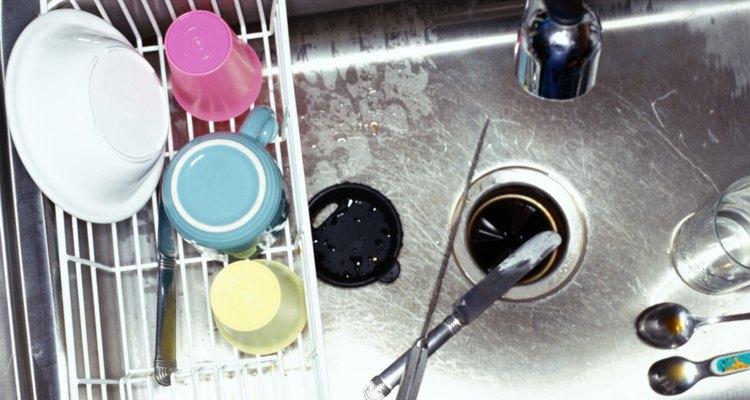 El desagüe del fregadero puede ser la fuente de ese desagradable olor.