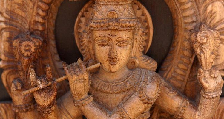 La gente de la fe hindú adora a muchos dioses y diosas.