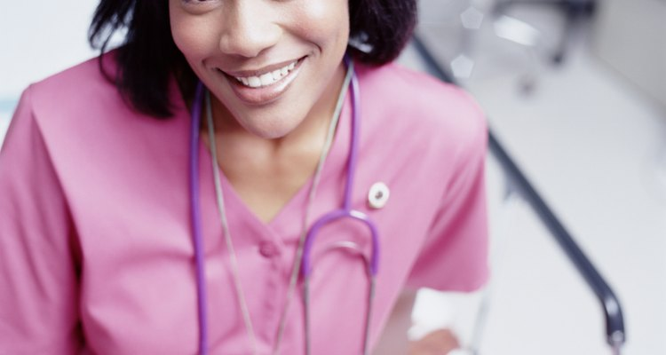Según la BLS, se espera que la demanda de enfermeras en todas las especialidades crezca un 22 por ciento entre 2008 y 2018.