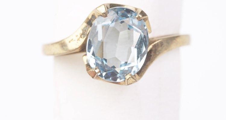 Los diamantes representan a abril.