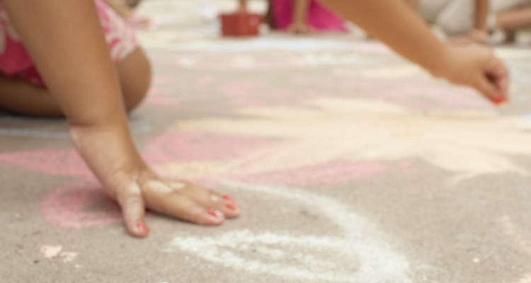 Let kids turn the driveway into an artistic mural.