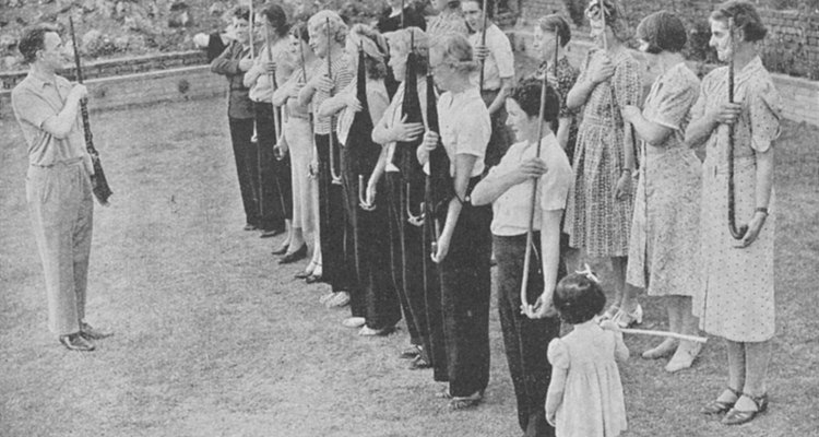La guerra influyó directamente el la vestimenta de los hombres en la década de 1940.