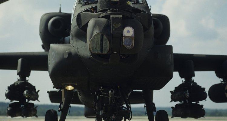 Algunas pilotos femeninas han volado el helicóptero de ataque Apache desde 1995.
