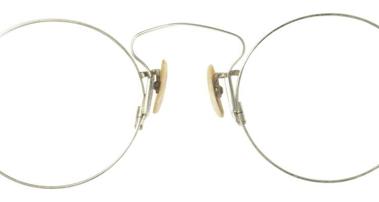 Los lentes y lentes de sol empañados pueden ser una molestia.