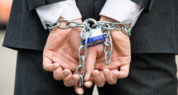 La ley requiere que un individuo sea juzgado y sentenciado por separado por cada crimen.