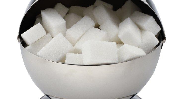Algunos tipos de azúcar vienen en cubos y deberían mantenerse secos.