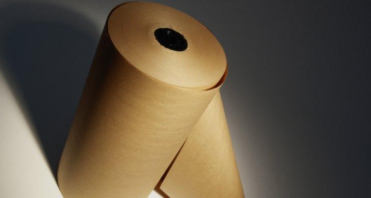 Um rolo de papel pardo