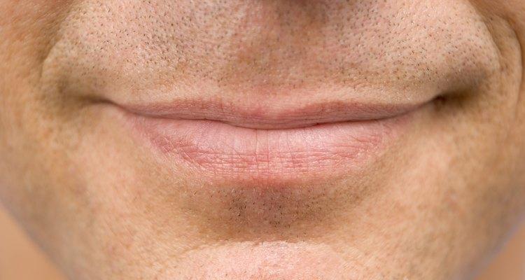 Aprenda a cuidade de feridas no céu da boca