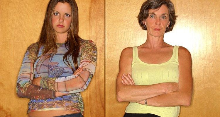 Los adolescentes pueden atravesar una etapa en la cual no se llevan bien con los padres.