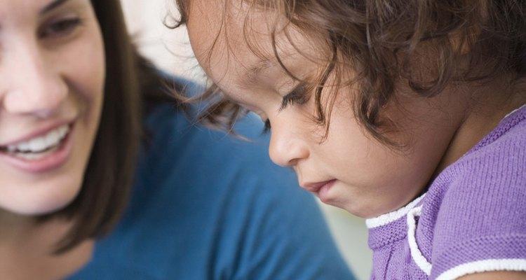 Una lista de habilidades cotidianas de la vida puede ayudar a los niños y a los adultos jóvenes a obtener las habilidades necesarias para convivir en la sociedad.