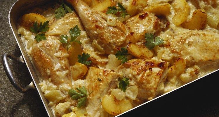 Prepara un pollo a la parisién fácil y rico.