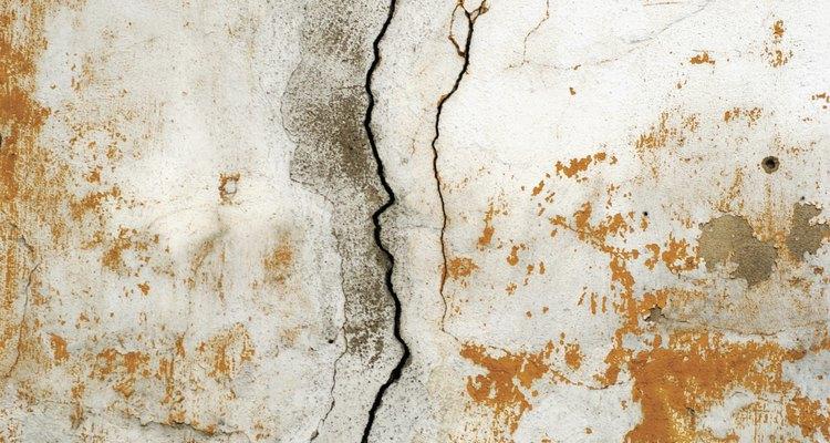 O muro de arrimo pode se danificar com a pressão hidrostática da água