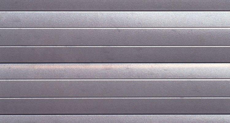 Não sinta medo de tomar choques elétricos se conectar metais com graxa dielétrica