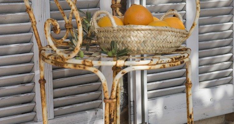 El óxido puede tener efectos devastadores en muebles de exterior.