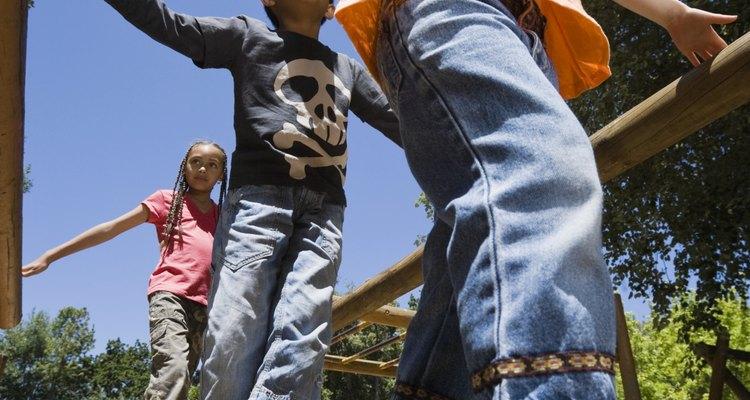 En el campamento Snug Harbor tus niños gozarán en el salón  y los campos de juego.