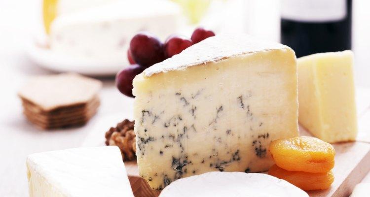 Muchas vinaterías ofrecen a sus visitantes una copa, junto con quesos de fabricación local.