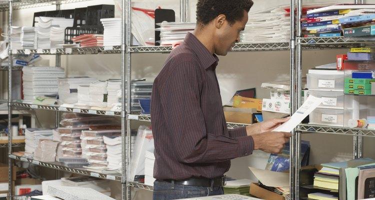 Mantener un inventario de artículos de oficina evita cambios en el trabajo.