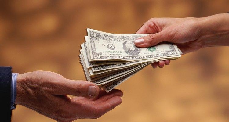 Los empleadores que comparten las ganancias de ahorro con los trabajadores mejoran la productividad y fomentan la lealtad del empleado.