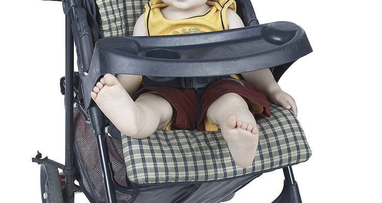 Graco strollers are equipped with a front tray for the baby to use for snacks and drinks.