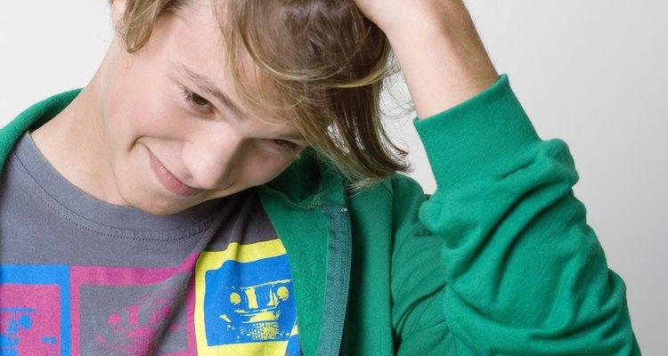 Los adolescentes también pueden padecer la caspa.