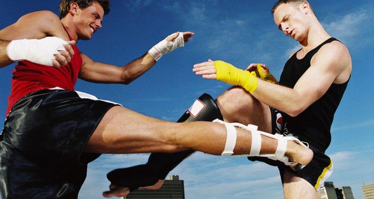 O Kickboxing é uma boa maneira para se manter em forma e aprender a se defender