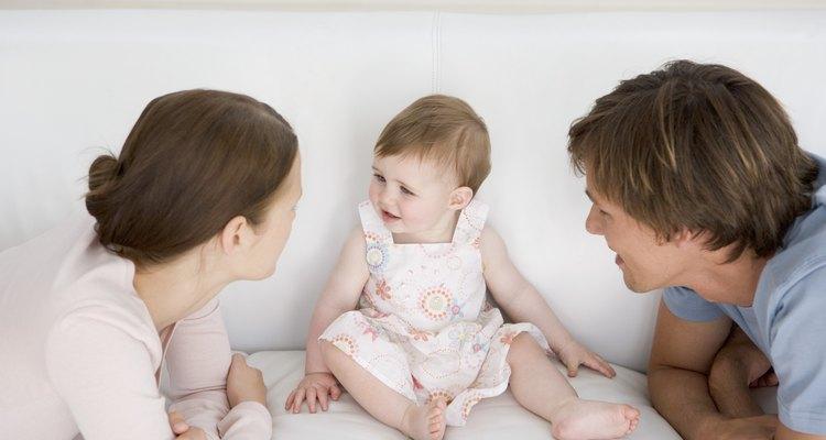 Interactuar con tu bebé ayuda a moldear su personalidad.