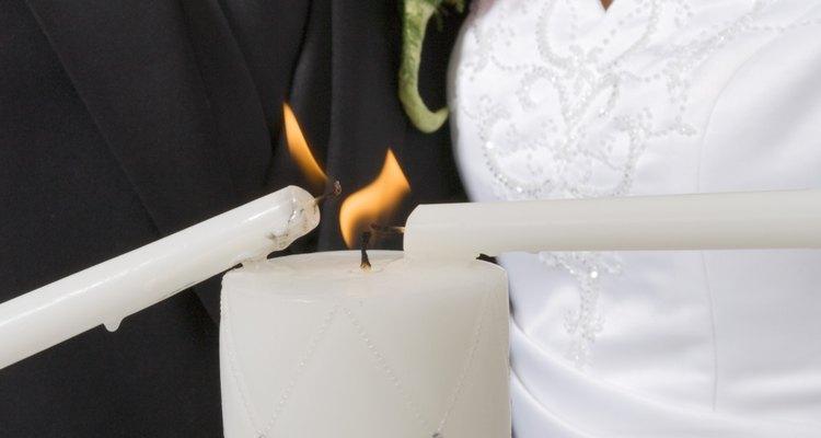 Velas de casamento dão um toque especial à cerimônia
