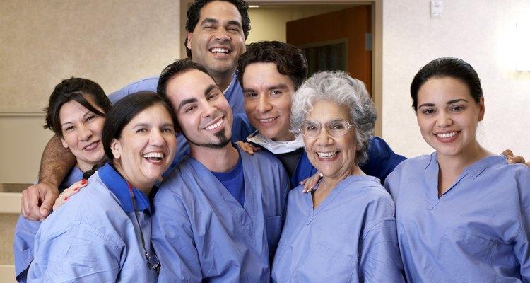 La enfermería en nefrología requiere una formación adicional más allá de lo que se necesita para convertirse en una enfermera registrada.